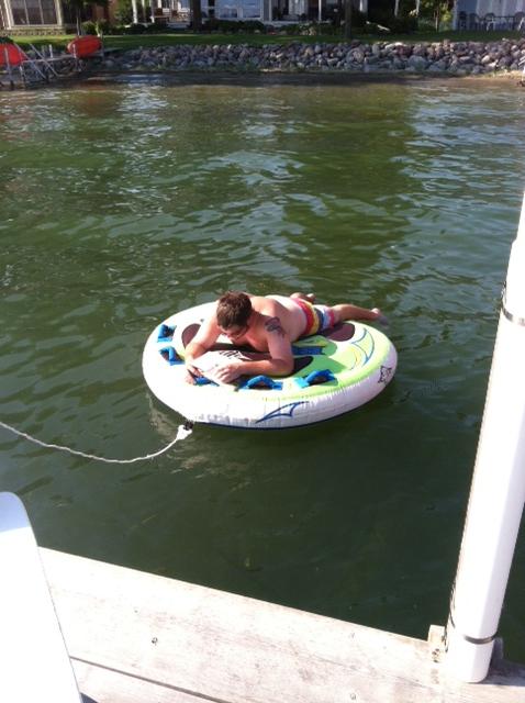 Dan float